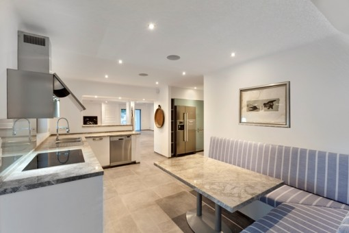 fully fitted open plan kitchen