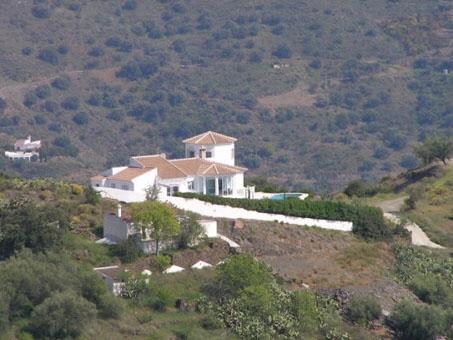Villa con piscina y vistas al mar en Sayalonga, Andalucía