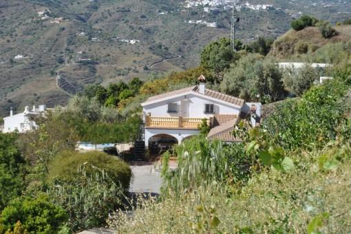 Villa with pool and stunning mountain views in Sayalonga, Vélez-Málaga
