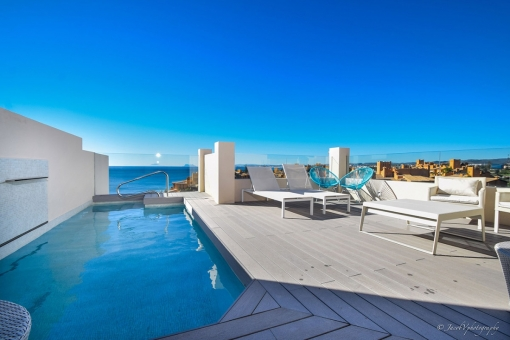 New and spectacular front sea view penthouse...