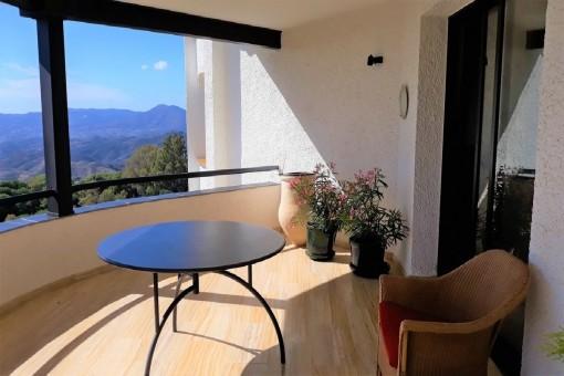 La terraza con acceso a la cocina
