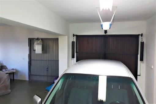 El garaje espacioso