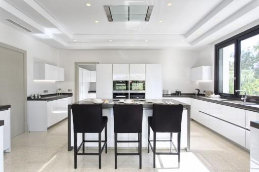 La cocina totalmemte equioada ofrece amplio espacio