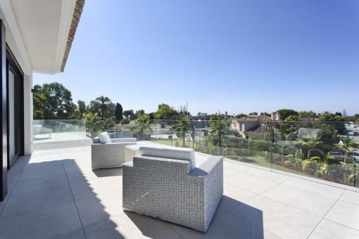 La villa ofrece varias terrazas