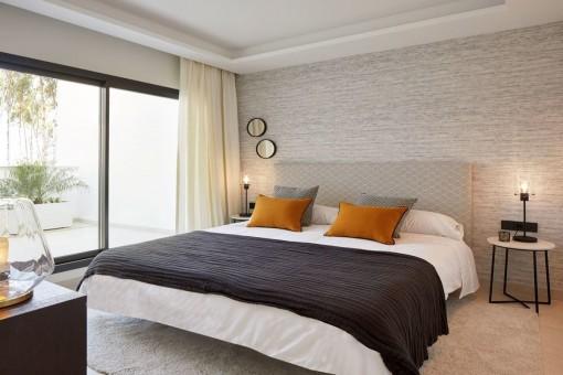Otro dormitorio con acceso a la zona exterior