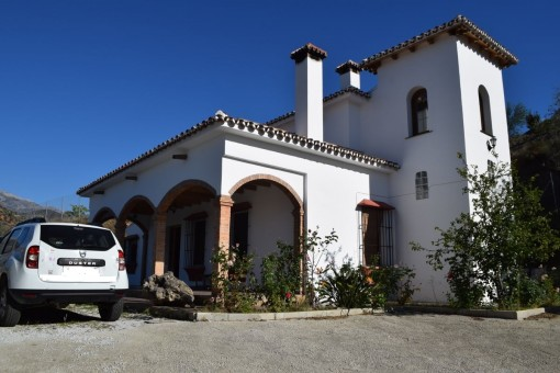 Beautiful Spanish country house with stunning view of the largest mountain in the region, La Maroma in Canillas de Aceituno